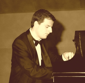Claudio Carbó al piano